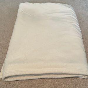Cream blanket 50x70 inches